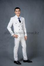 01970 Двубортный белый костюм в полоску (MM75)