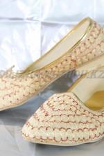 02411 Индийская национальная обувь