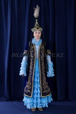 02109 Женский казахский национальный костюм