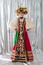 2079. Хохлома. Женский русский сарафан с венком.