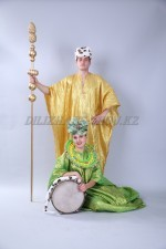 2209. Африканские национальные костюмы