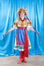 02312 Украинский национальный женский костюм
