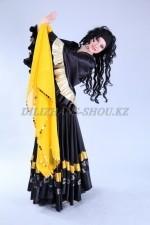 2280. Цыганский национальный костюм женский