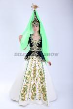 02839 Казахский национальный костюм