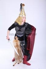 02086 Девушка-воин с мечом