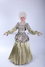 02953 Маркиза в золотом платье