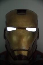1700. Аутентичный головной убор железного человека со светящимися глазами