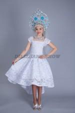 01270 Снегурочка в кружевном платье со шлейфом