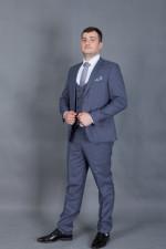02047 Серый костюм тройка