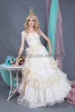 5771. Принцесса в золотистом платье