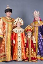 5775. Русские костюмы для семьи