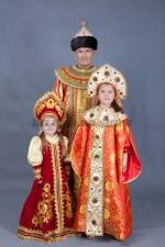 5784. Царь с царевнами