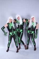 5995. Скелеты светящиеся. Группа.