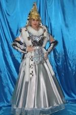02692 Сакская принцесса в серебре