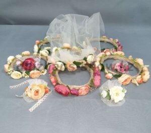 Flower crowns 01 - 26 500 тг (венки-5 шт, бутоньерки -5 шт, фата - 1 шт)