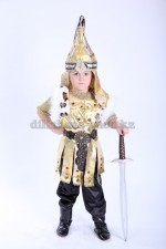 Батыр в золоте с мехом