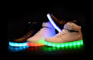 Светящиеся кроссовки с LED подошвой. Доставка по Астане. Заявки - на WhatsApp круглосуточно: 8 (701) 226 96 13
