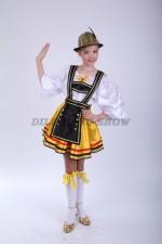 4176. Немецкий национальный для девочки с темным фартучком