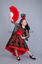 00821 Испанский костюм с красным веером