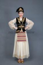 5303. Каиса. Татарский народный костюм с фартучком.