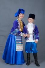 5675. Татарские парные костюмы для мальчика и девочки