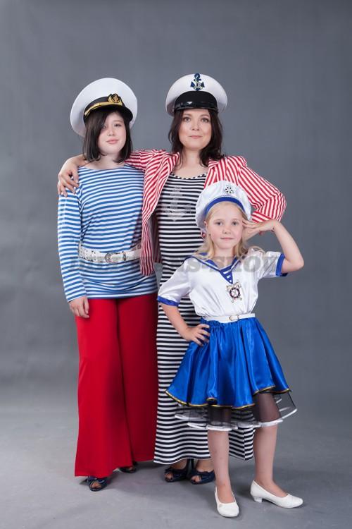 5735. Костюмы в морском стиле для семейной фотосессии