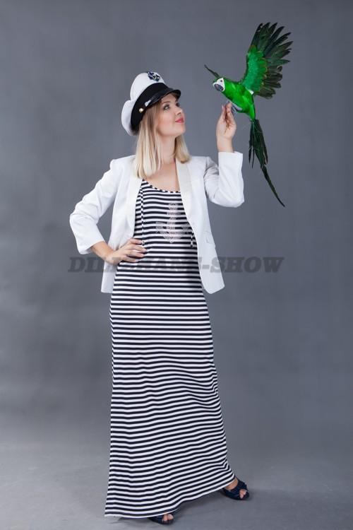 5746. Морячка с попугаем