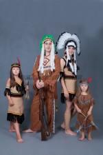 01645 Индейская семья